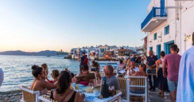 Greqia hap sezonin turistik javën e ardhshme