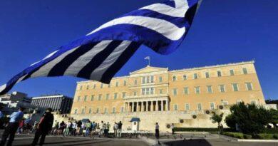 Greqia kufizime të reja për qytetarët e pavaksinuar kundër Covid