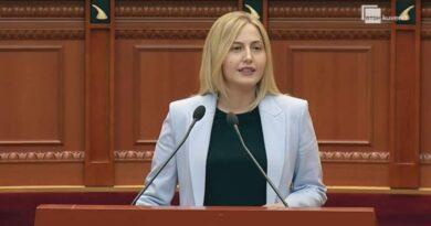 Deputetja Sarandës i del në mbrojtje Lindita Nikollës, sulmon Ramën
